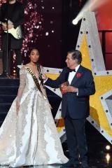 Clémence Botino, discours avec Jean Pierre Foucault à Miss France 2020