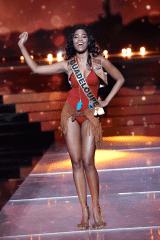 Clémence Botino Maillot de Bain au Concours Miss France 2020